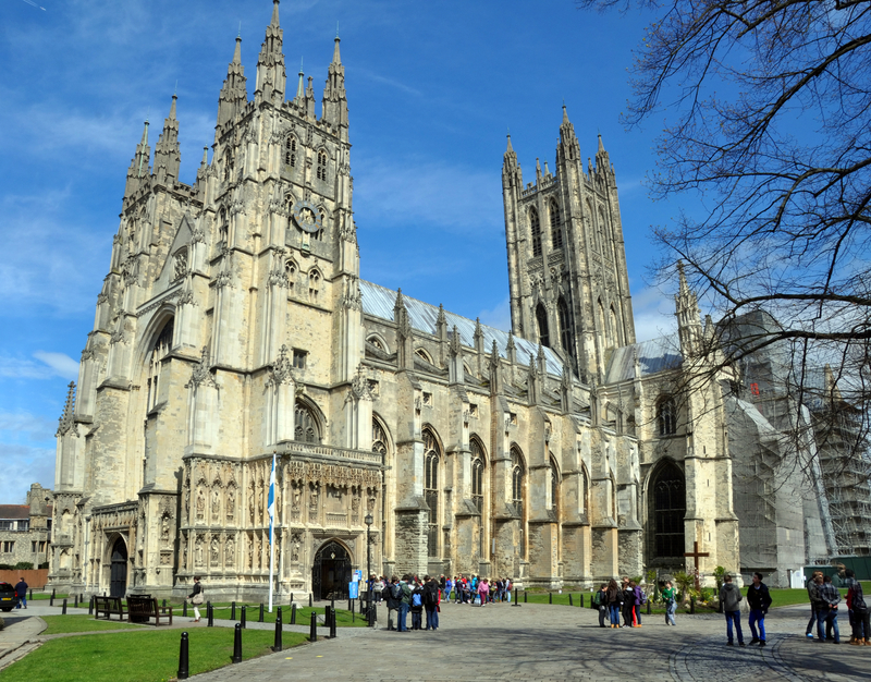 Airport-transfers-to-Canterbury